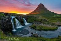 Kirkjufell Mountain, Kirkjufellsfoss Waterfall, Kirkjufell River, Grundarfjörður, Snæfellsnes Peninsula, West Iceland, Summer, Sunset