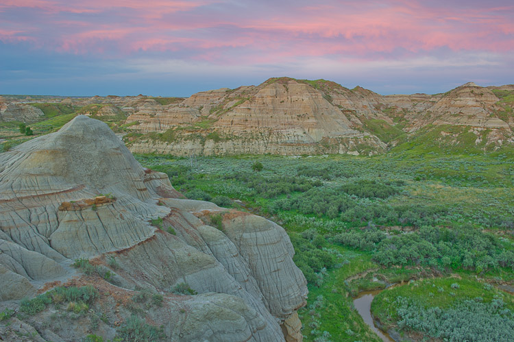 Badlands, Sunset, Dinosaur Provincial Park, UNESCO World Heritage Site, Alberta, Canada, Summer, photo