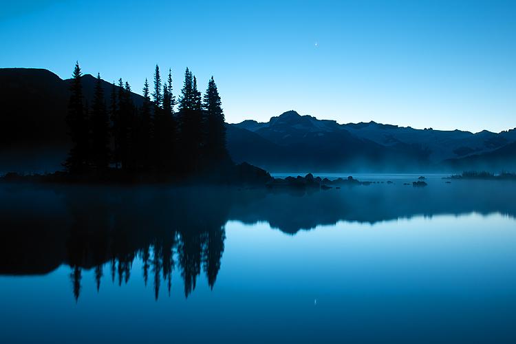 Sunrise,Mist,Battleship Isles,Garabaldi Lake,Garabaldi Provincial Park,Squamish,British Columbia,Canada,Fall, photo