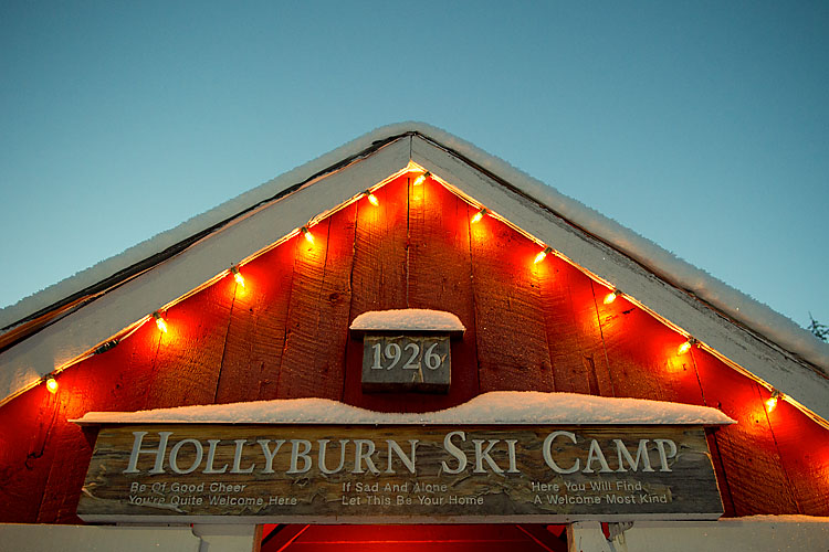 Hollyburn Lodge,Cypress Bowl Nordic Center,Cross Country Skiing,West Vancouver,British Columbia,Canada,Winter,Snow,Night, photo
