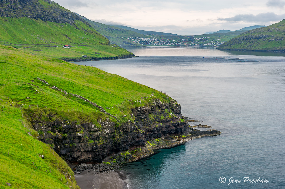 Sorvagur, village, Sorvagsfjorour, Faroe Islands, North Atlantic ocean, summer, photo