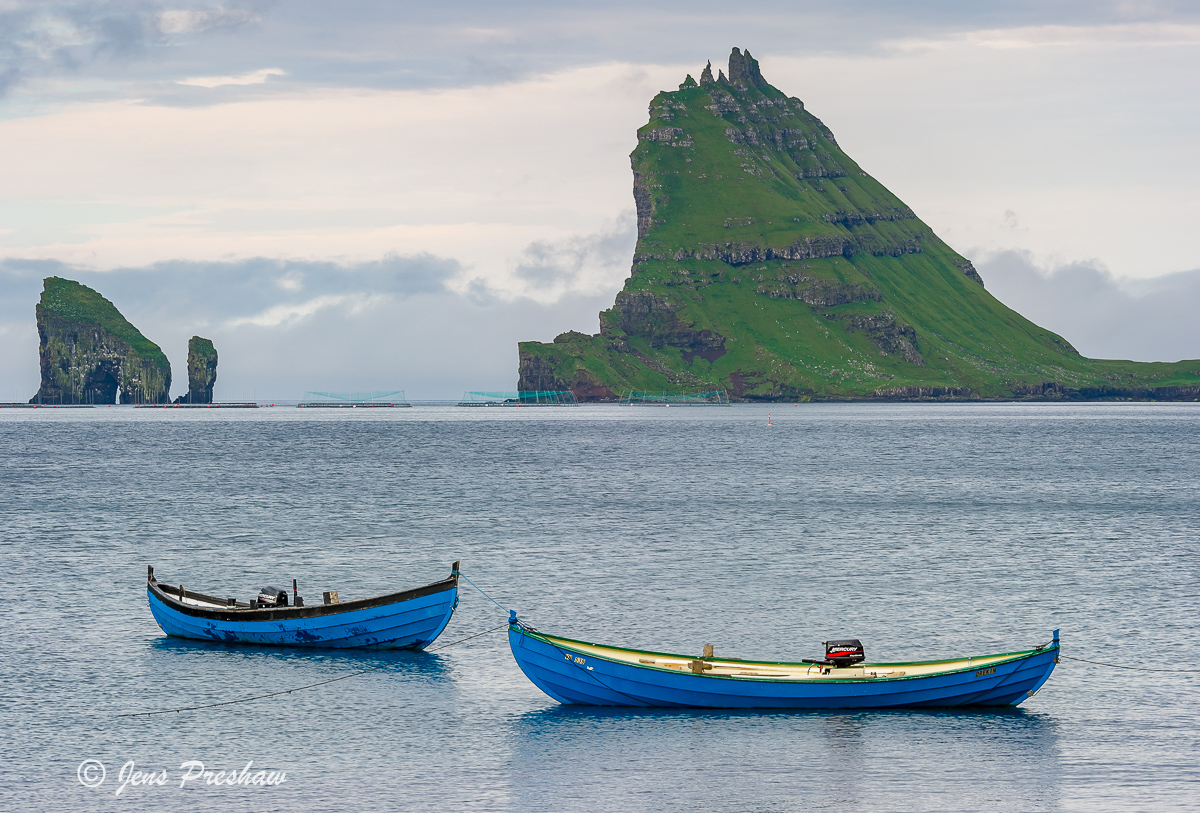 blue boats, Drangarnir, Tindholmur, Bour, Vagar, Faroe Islands, North Atlantic ocean, summer, photo