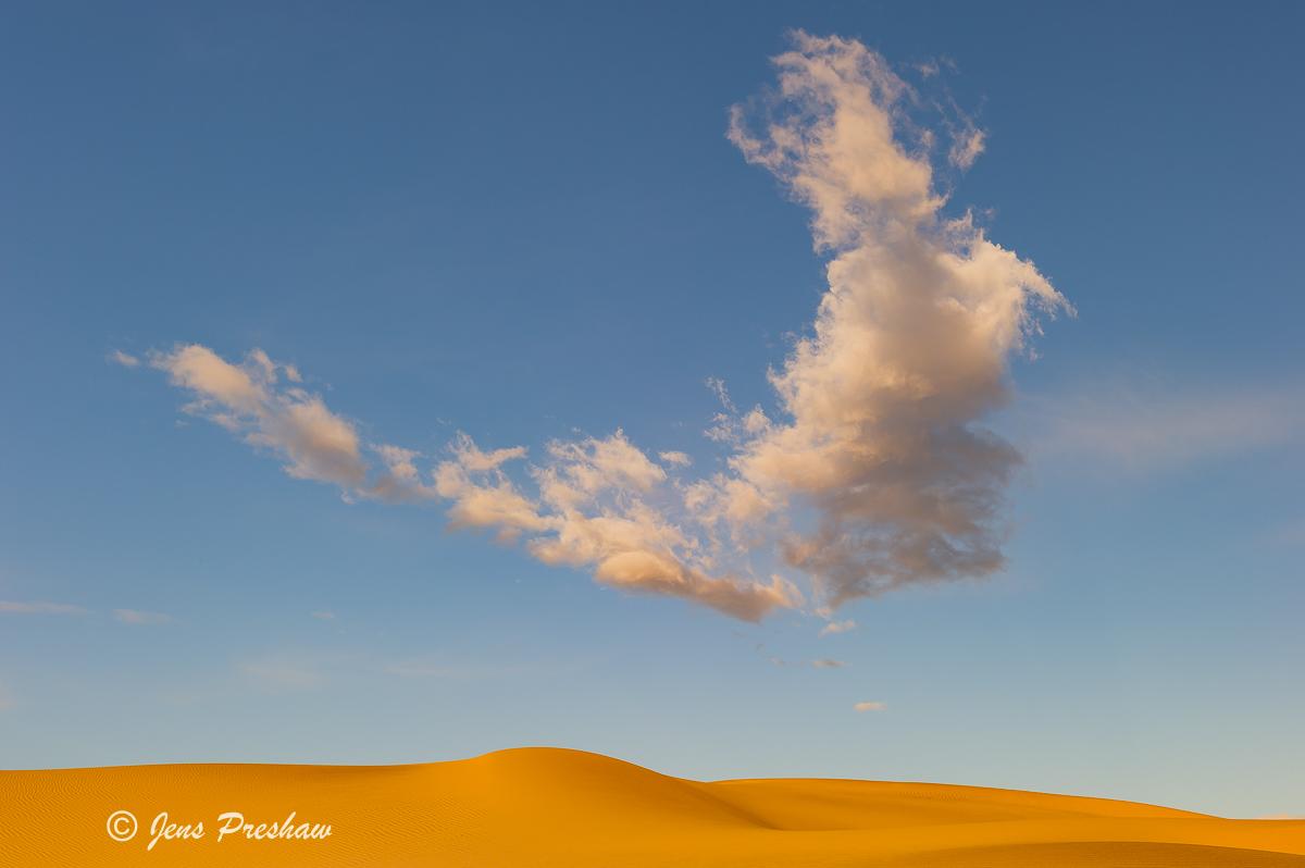 Cloud, Mesquite Flat Sand Dunes, Death Valley National Park, California, USA, Sunrise, photo