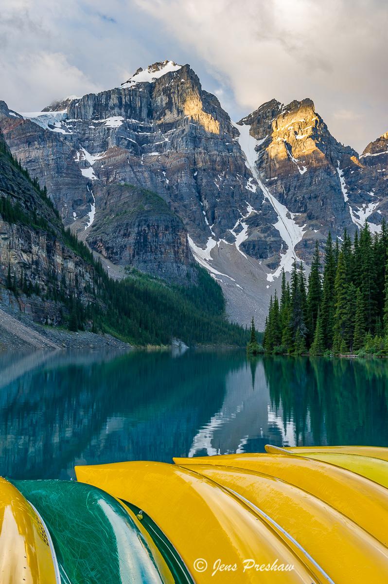 canoe, Mount Bowlen, Mount Tonsa, Moraine lake, sunrise, Valley of the Ten Peaks, Banff National Park, Alberta, Canada, summer...